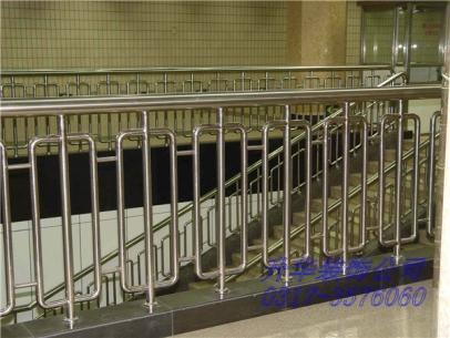 泊头不锈钢护栏扶手